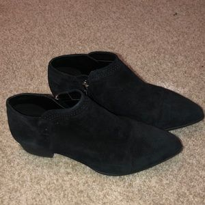 Vince Camuto Jannie booties